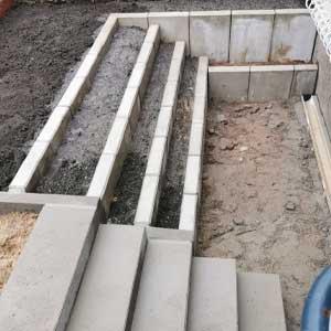 Pflasterarbeit Terrasse mit L-Steinen